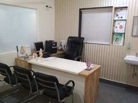 OPD-Consultation-Room at Painex Apte Road Clinic